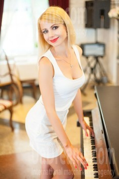 Oksana from Ivanofrankovsk 34 years - desirable woman. My small public photo.