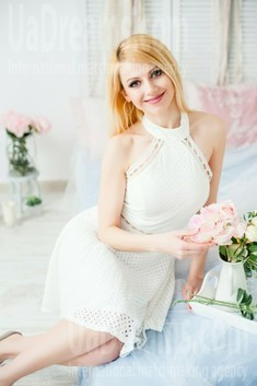 Oksana from Ivanofrankovsk 34 years - waiting for husband. My small public photo.