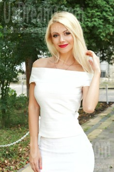 Oksana from Ivanofrankovsk 35 years - good mood. My small public photo.