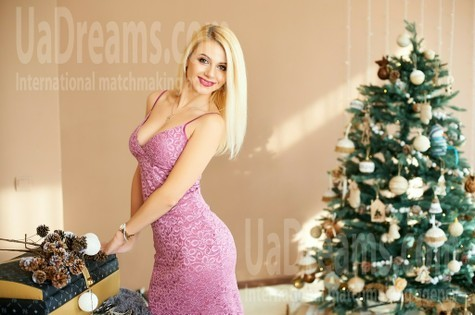 Oksana from Ivanofrankovsk 35 years - smiling for you. My small public photo.