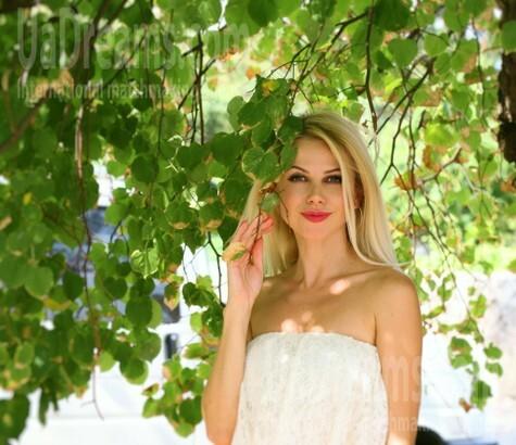 Oksana from Ivanofrankovsk 36 years - attentive lady. My small public photo.
