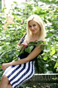 Oksana from Ivanofrankovsk 36 years - wants to be loved. My small public photo.