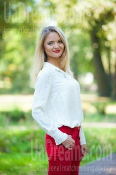 Marina from Zaporozhye 40 years - nice fiancee. My small public photo.