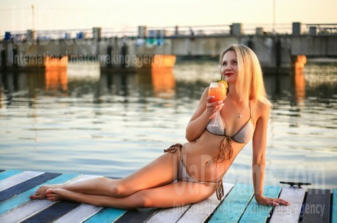 Marina from Zaporozhye 40 years - cool photo shooting. My small public photo.