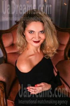 Marina from Zaporozhye 39 years - ukrainian bride. My small public photo.