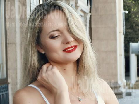 Marina from Zaporozhye 41 years - nice smile. My small public photo.