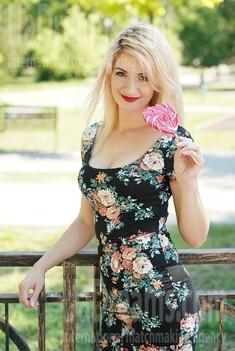 Alyona 31 years - easy charm. My small public photo.