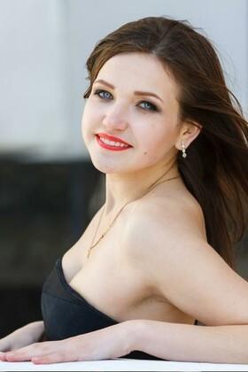 Yana from Kremenchug 23 years - single russian woman. My small primary photo.