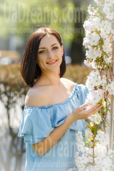 Marina from Kremenchug 28 years - sunny smile. My small public photo.