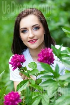 Marina from Kremenchug 28 years - Kind-hearted woman. My small public photo.