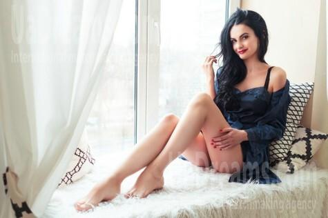 Alenka from Kiev 30 years - nice fiancee. My small public photo.