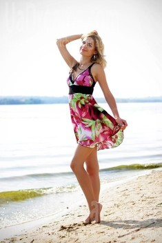Alenka from Zaporozhye 28 years - charm and softness. My small public photo.