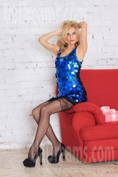 Alenka from Zaporozhye 28 years - looking for relationship. My small public photo.