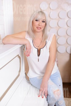 Valentina from Kharkov 48 years - amazing appearance. My small public photo.