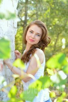 Olya from Kremenchug 28 years - nice smile. My small public photo.