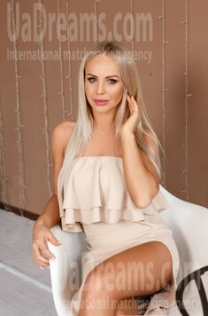 Lesia from Ivano-Frankovsk 30 years - lovely girl. My small public photo.