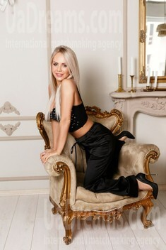 Lesia from Ivano-Frankovsk 30 years - it's me. My small public photo.