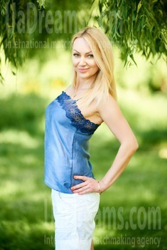Lilia from Ivanofrankovsk 42 years - search for love. My small public photo.