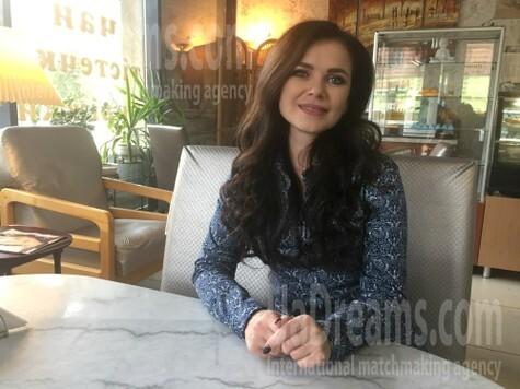 Alyona from Poltava 45 years - sunny day. My small public photo.