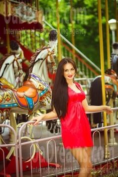 Alina from Kiev 28 years - sunny day. My small public photo.
