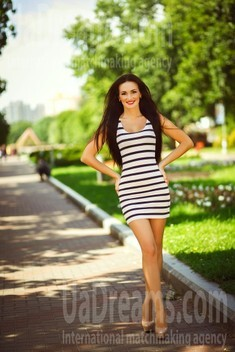 Alina from Kiev 28 years - great weather. My small public photo.
