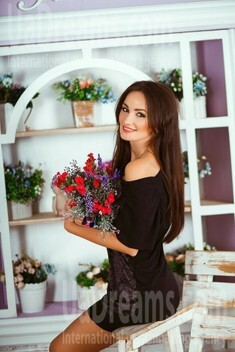 Alina from Kiev 29 years - bright smile. My small public photo.