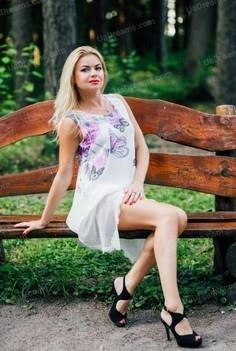 Oksana Cherkasy 41 y.o. - intelligent lady - small public photo.