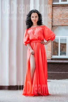Marina from Cherkasy 43 years - look for a man. My small public photo.