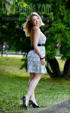 Viktoria from Rovno 22 years - amazing girl. My small public photo.