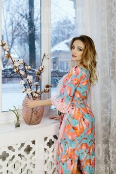 Maria from Ivanofrankovsk 28 years - waiting for husband. My small public photo.