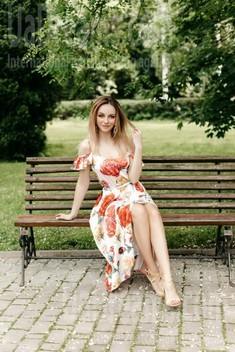 Maria from Ivanofrankovsk 28 years - cool photo shooting. My small public photo.