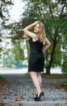 Oksana from Ivanofrankovsk 28 years - eyes with love. My small public photo.