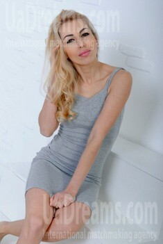 Victoria from Cherkasy 32 years - search for love. My small public photo.