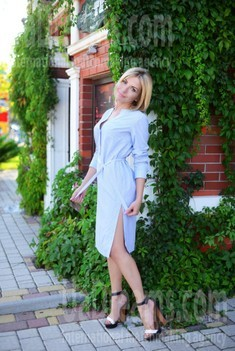 Anna from Kharkov 34 years - waiting for husband. My small public photo.