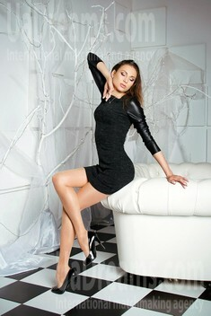 Ekaterina from Zaporozhye 28 years - look for a man. My small public photo.