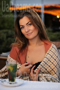 Mira from Zaporozhye 39 years - intelligent lady. My small public photo.