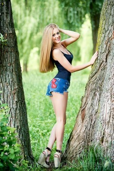 Olya from Ivanofrankovsk 29 years - cat's-paw. My small public photo.