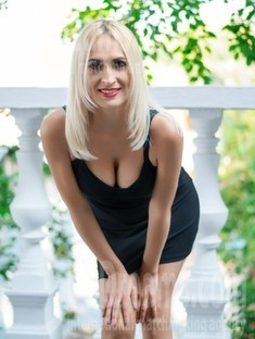 Galina 35 years - beautiful and wild. My small public photo.