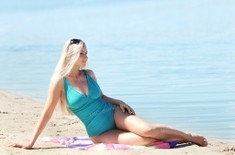 Anna 35 years - carring woman. My small public photo.