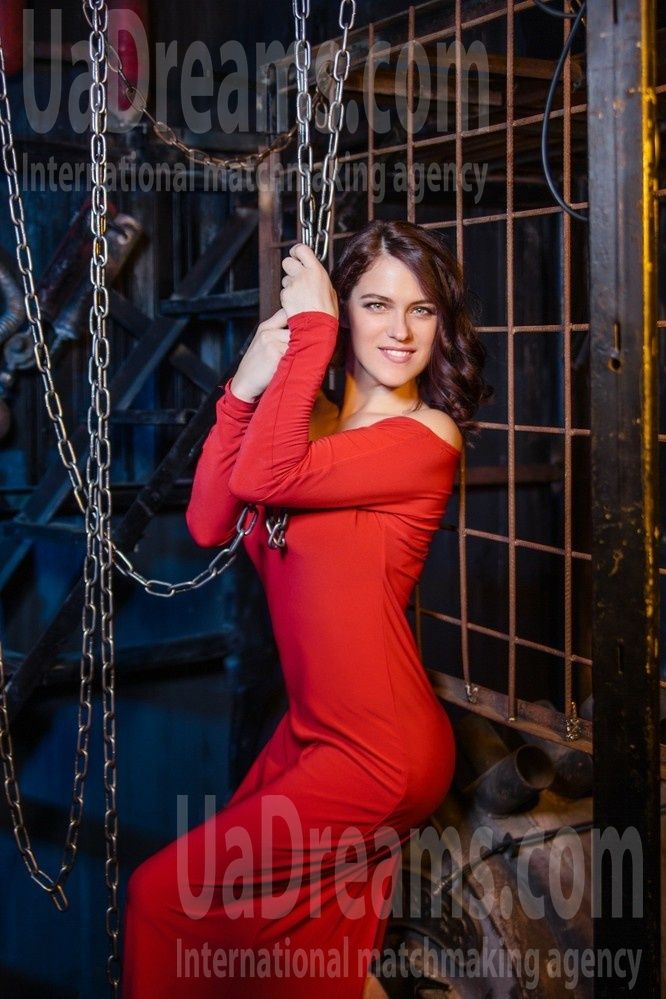 Anna from Kharkov 28 years - carring woman. My small public photo.