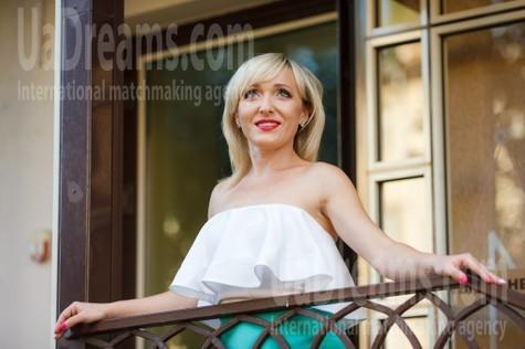 Tanya from Kremenchug 39 years - easy charm. My small public photo.