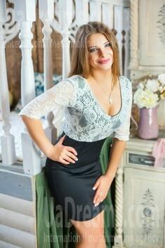 Nadia from Ivanofrankovsk 24 years - intelligent lady. My small public photo.
