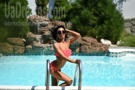 Anna from Dnipro 27 years - seeking soulmate. My small public photo.