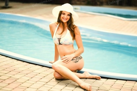 Elenka 28 years - ukrainian girl. My small public photo.