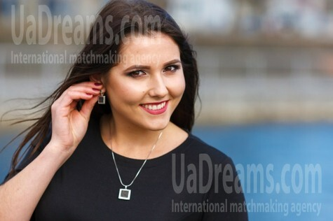 Tanechka from Kremenchug 23 years - sunny smile. My small public photo.