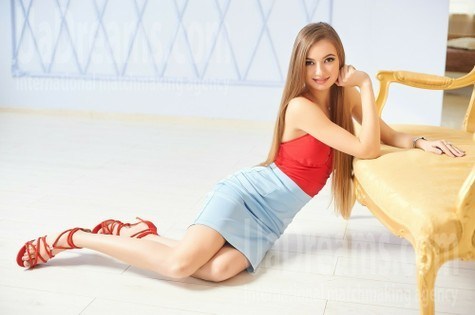 Tanya from Ivanofrankovsk 23 years - look for a man. My small public photo.