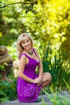 Ekaterina from Kharkov 36 years - intelligent lady. My small public photo.