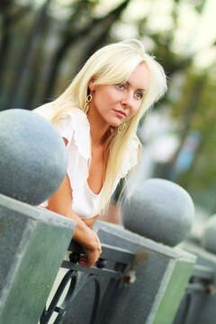 Olga from Kharkov 32 years - look for fiance. My mid primary photo.