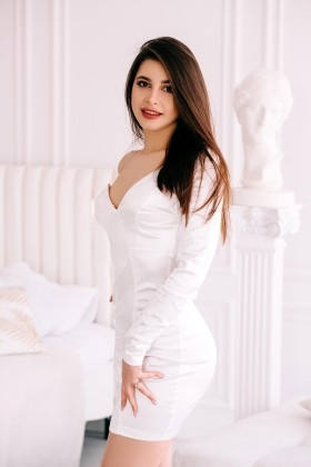 Lyalya from Cherkasy 19 years - bride for you. My small primary photo.