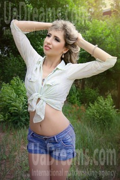 Natalka from Zaporozhye 28 years - morning freshness. My small public photo.